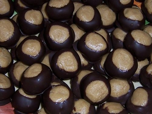 vegan chocolate peanut butter balls