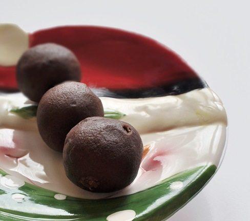 vegan gingerbread balls