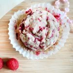 healthy-raspberry-muffin