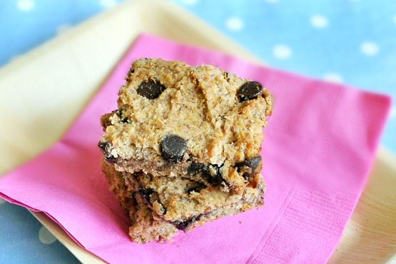Chocolate Covered Katie | Healthy Chocolate Chip Blondies (with beans!)