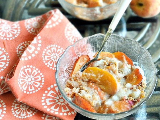 Repinned over 10,000 times, the recipe is so healthy you can go ahead and have two bowls. For breakfast! https://chocolatecoveredkatie.com/2011/06/26/peach-breakfast-bake/