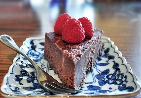 vegan-fudge-cake