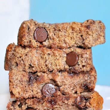 This is the BEST banana bread recipe I have ever found... 16,000 repins! @choccoveredkt - It is a MUST try! https://chocolatecoveredkatie.com/2011/11/02/polka-dot-banana-bread/