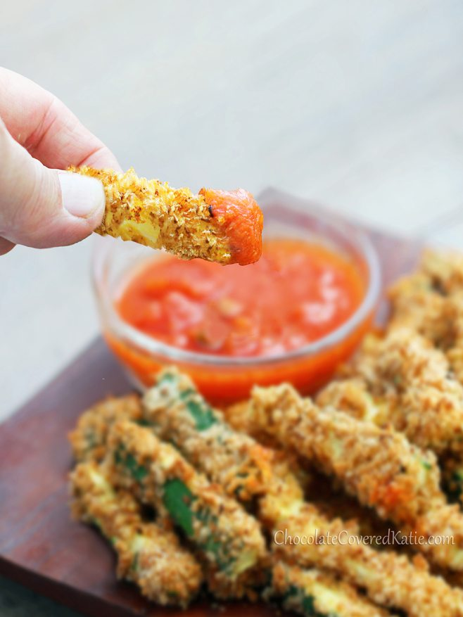 "Healthy baked zucchini fries, from @choccoveredkt - With a crispy ""junk food"" taste, the recipe is so good for you that you can eat a HUGE serving! http://chocolatecoveredkatie.com/2013/05/28/crispy-healthy-baked-zucchini-fries/"