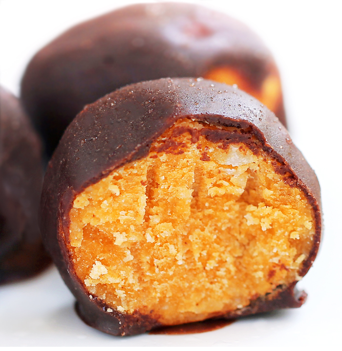 Secretly Healthy Chocolate Pumpkin Fudge Balls Recipe