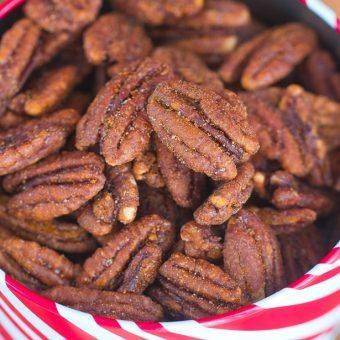 Easy Crock-Pot Cinnamon Pecans