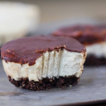 Bounty Bar Cheesecakes – Easy Bite Sized Cheesecakes