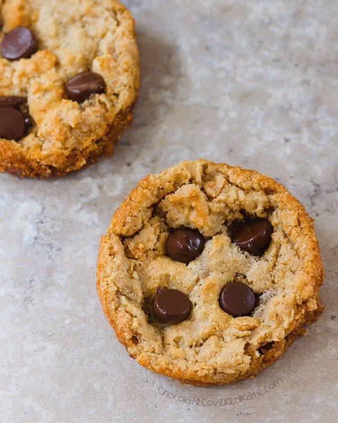 Muffin Tin Cookies - Ingredients: 1/2 cup peanut butter, 1/2 tsp vanilla extract, 1/4 tsp baking soda, 2 tbsp... Full recipe: https://chocolatecoveredkatie.com/2016/08/01/peanut-butter-cookies-muffin-tin/ @choccoveredkt