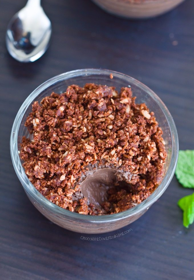 Healthy Dirt Pudding Cups - 2 cups milk of choice, 1/4 cup cocoa powder, 1/2 tsp vanilla extract, 1 1/2 cup... Full recipe: http://chocolatecoveredkatie.com/2016/07/25/dirt-pudding-cups-healthy/ @choccoveredkt
