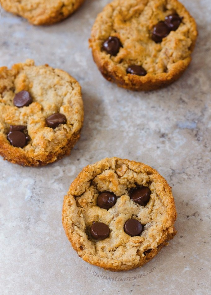Peanut Butter Cookies - Ingredients: 1/2 cup peanut butter, 1/2 tsp vanilla extract, 1/4 tsp baking soda, 2 tbsp... Full recipe: http://chocolatecoveredkatie.com/2016/08/01/peanut-butter-cookies-muffin-tin/ @choccoveredkt