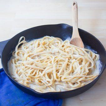 Vegan Pasta Alfredo – Ready In 20 Minutes!