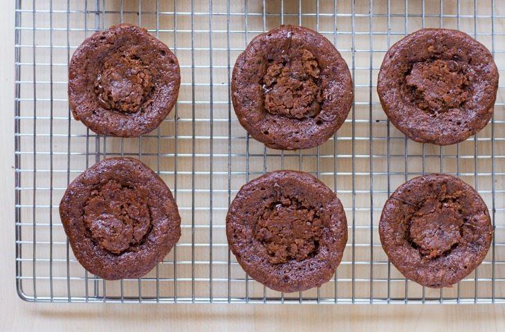 vegan chocolate lava cakes