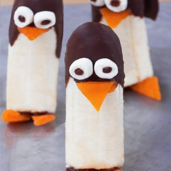 How To Make Frozen Banana Penguins – Almost Too Cute To Eat!