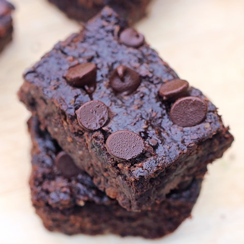 This image has an empty alt attribute; its file name is black-bean-brownies.jpg