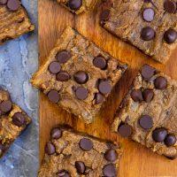 chocolate chip pumpkin bars (vegan, healthy)