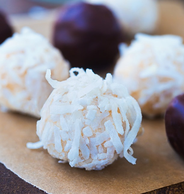 Raw Coconut Balls