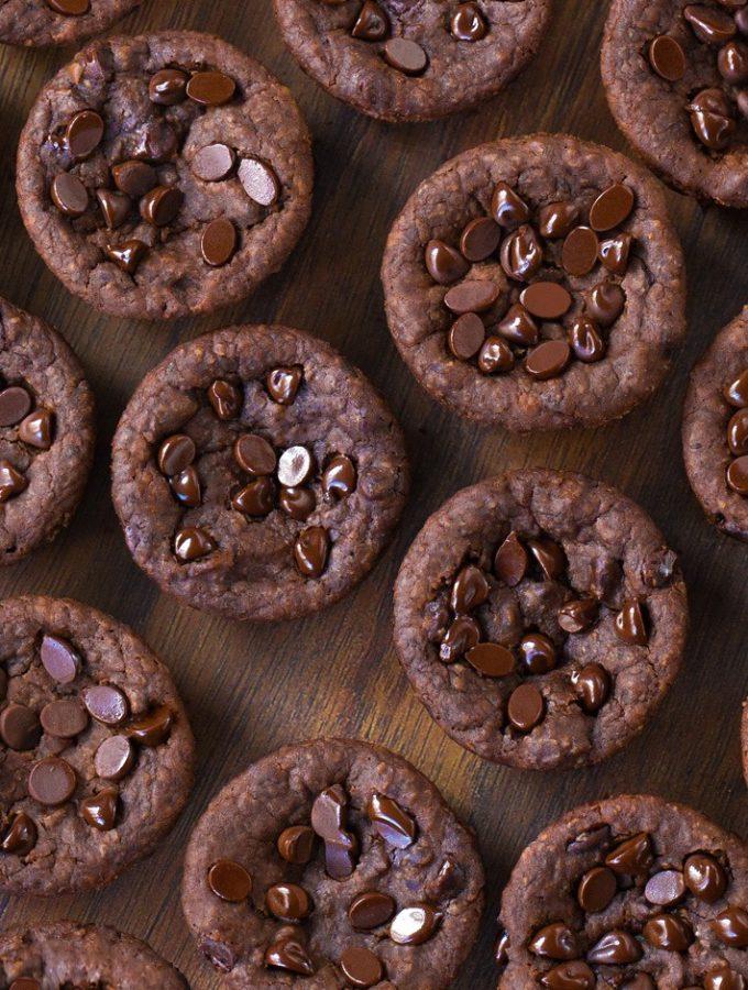 Super Fudgy Chocolate Black Bean Brownie Bites