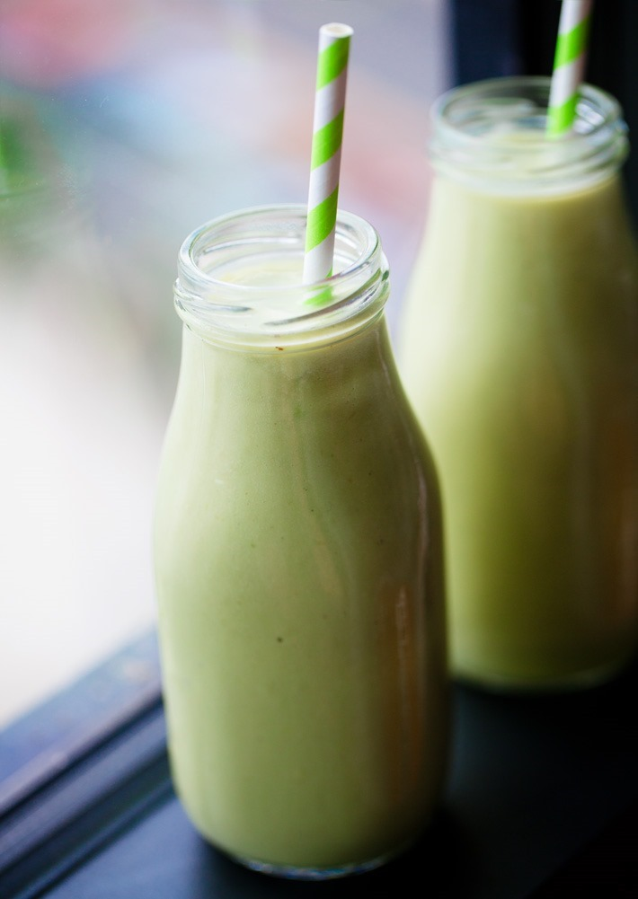 Green Healthy Avocado Smoothie (Vegan, Keto)