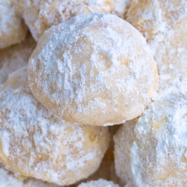 The Best Easy Lemon Meltaway Cookies