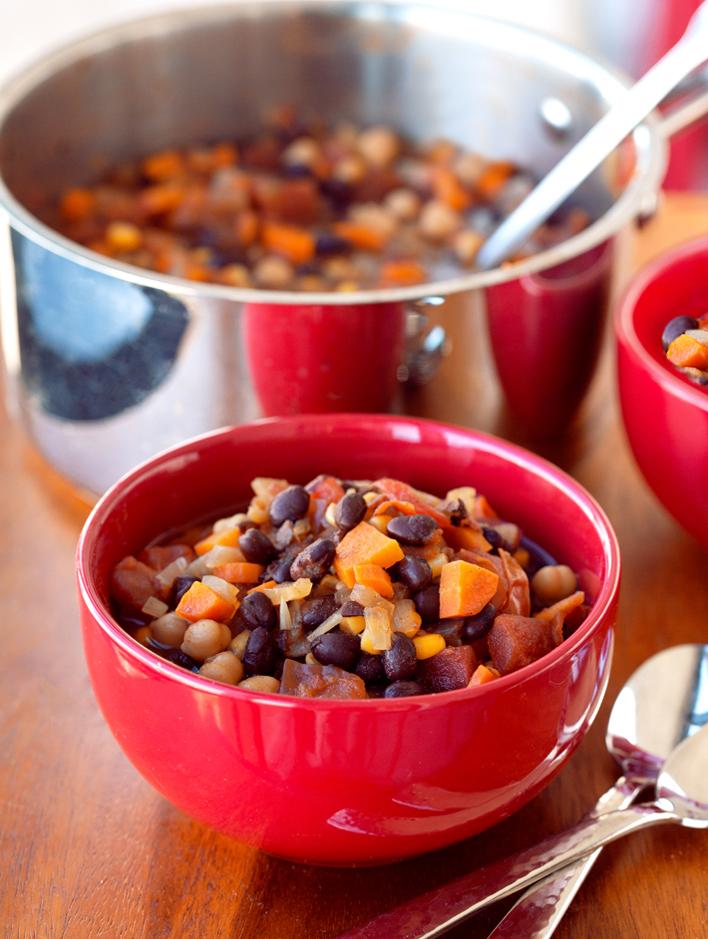 Healthy Vegan Bean Chili Recipe