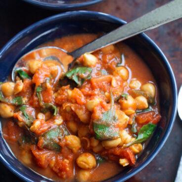 5 Minute Chickpea Curry Recipe