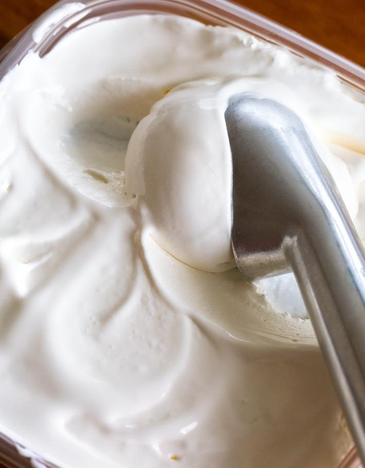 Vanilla Frozen Yogurt With Greek Yogurt