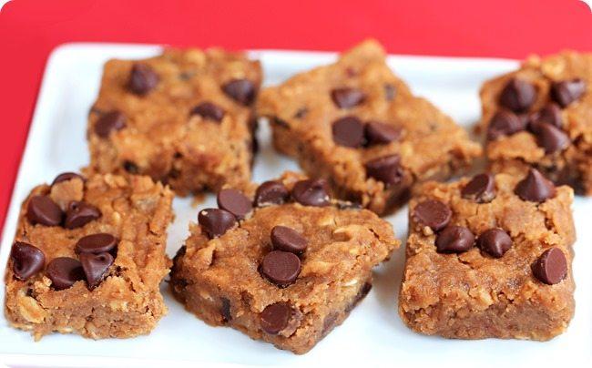 Secretly Healthy Nutella Chocolate Chip Blondies https://chocolatecoveredkatie.com/2014/09/23/nutella-chocolate-chip-blondies/