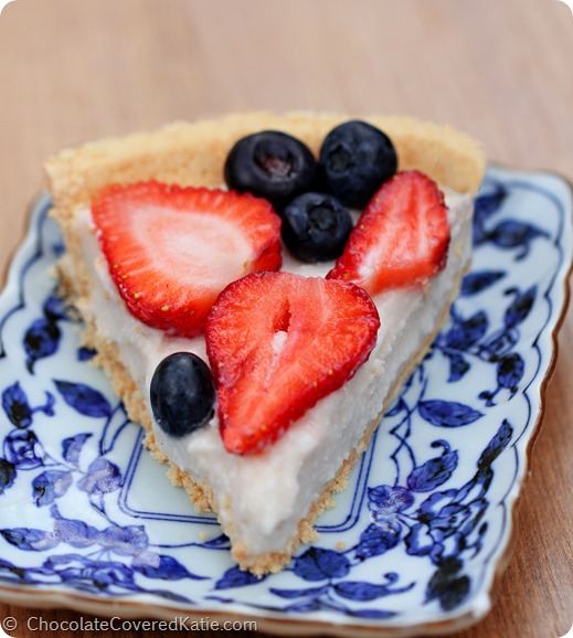 Just 5 ingredients, no baking required, all natural and healthy dessert: https://chocolatecoveredkatie.com/2014/06/30/light-summer-berry-yogurt-pie/