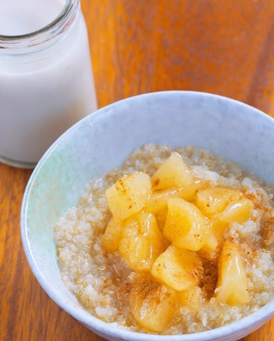 Apple Quinoa Breakfast Bowls – from @choccoveredkt… 1/2 cup quinoa, 1/2 tsp cinnamon, 1 large apple, 1/4 tsp vanilla extract… Full recipe: https://chocolatecoveredkatie.com/2015/11/09/apple-quinoa-breakfast-bowls/