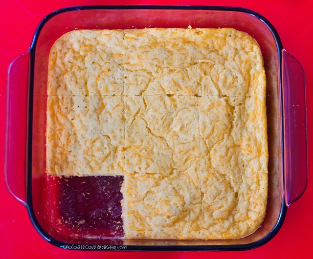 Ingredients: 1 cup milk of choice, 2 tsp vinegar, 1/4 tsp garlic powder... Full recipe link: https://chocolatecoveredkatie.com/2015/05/20/flourless-cheese-bread/