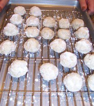 Vegan Mexican Wedding Cookies