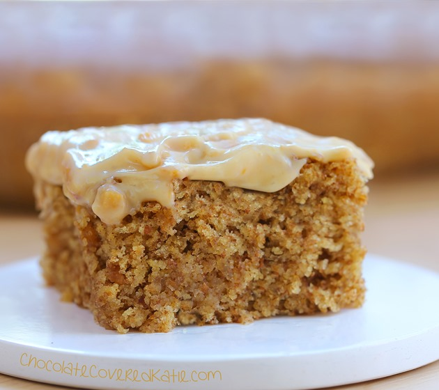 Easy to make + you'll never believe there isn't any oil in the recipe. Can be oil-free / sugar-free / low-calorie / gluten-free / vegan. Full recipe: https://chocolatecoveredkatie.com/2015/04/27/frosted-peanut-butter-snack-cake/