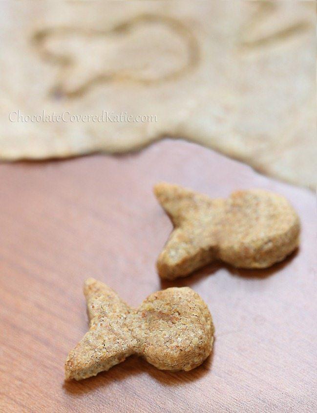 Homemade White Cheddar Goldfish Crackers