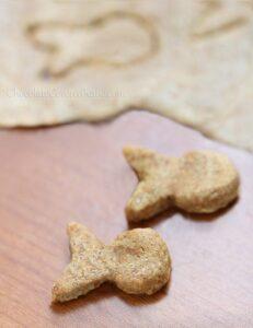 Homemade-White-Cheddar-Goldfish-Crackers_thumb