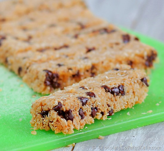 Recipe from @choccoveredkt can be sugar-free / gluten-free / vegan / with no flour and absolutely no high fructose corn syrup. Full recipe here: https://chocolatecoveredkatie.com/2014/11/16/coconut-chocolate-chip-magic-bars/
