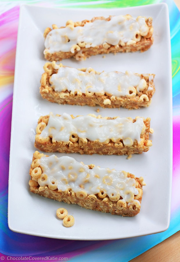Customizable cereal bars for an on-the-go breakfast. You can use different cereals to change up the flavors : https://chocolatecoveredkatie.com/2015/01/11/customizable-milk-cereal-bars/