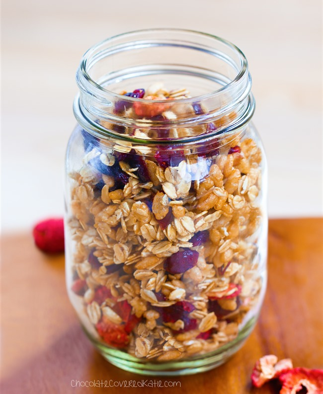Healthy low fat granola recipe that can be gluten-free, dairy-free, high-fiber, and completely free of refined sugar. Recipe here: https://chocolatecoveredkatie.com/2015/04/09/low-fat-granola-recipe/