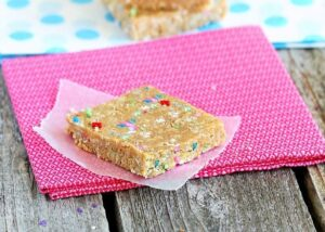 cake-batter-granola-bars_thumb