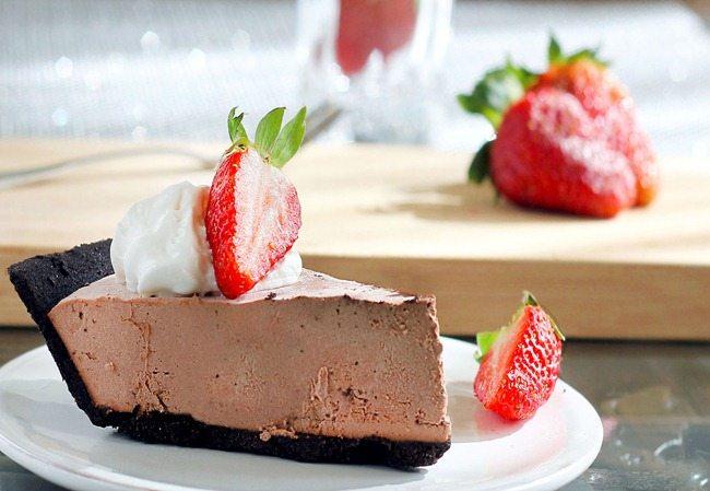 chocolate-strawberry-pie_thumb
