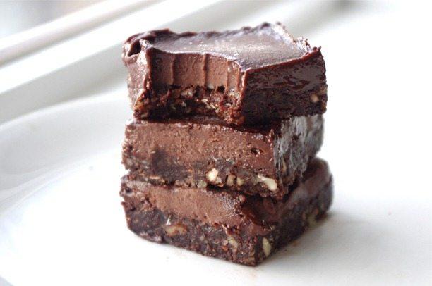 Healthy fudge candy bars. https://chocolatecoveredkatie.com/2013/02/15/healthy-eatmore-fudge-chocolate-bars/