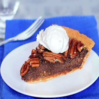 Impossible Healthy Pecan Pie - NO Butter, and NO Corn Syrup!... Full recipe: https://chocolatecoveredkatie.com/2011/11/28/healthy-chocolate-pecan-pie/ @choccoveredkt