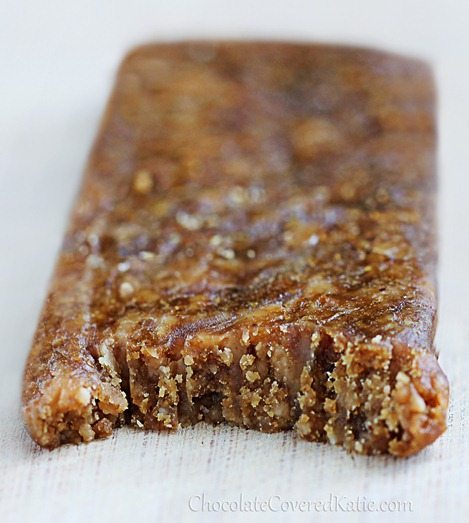 Peanut Butter Protein Bars - from @choccoveredkt... 5 ingredients, no baking, no corn syrup: http://chocolatecoveredkatie.com/2013/04/04/homemade-peanut-butter-protein-bars/