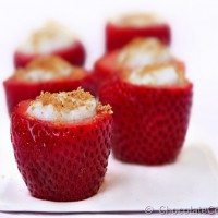 Cheesecake Stuffed Strawberries